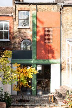 The House Recast by Studio Ben Allen wins Don't Move, Improve! 2021 Concrete Siding, Brick Siding, Concrete Stairs, London Architecture, Victorian Architecture, Modern Architecture, Victorian Design, Victorian Homes, Victorian Terrace