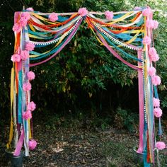 10 Affordable and easy DIY wedding backdrop ideas - Photowall Ideas Ribbon Backdrop, Diy Backdrop, Wedding Ceremony Backdrop, Backdrops, Bohemian Backdrop, Bohemian Party, Flower Backdrop, Flower Garlands, Photowall Ideas