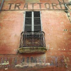 Di vecchie parole e di altre storie. Trattoria, salumeria. Castell'Arquato, Piacenza
