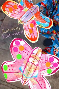 Fluttering Butterflies- Fun and easy kids art and craft  where you make butterflies that really flutter!