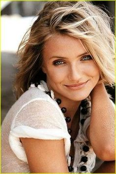 "Cameron Diaz, quit out of ""guilt!"" Her parents wanted her to quit. However, she refuses to give up all bad behavior, says she'd die! - Oh, she also quit for the sake of maintaining a healthy complexion."