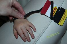 RoB: Rukavice od Budilky - fotonávod - Budilka Plastic Cutting Board
