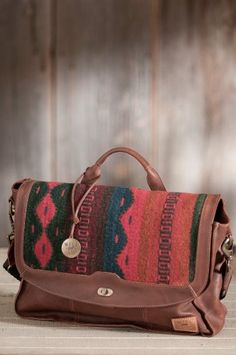 Will Oaxacan Hand-Woven Wool and Leather Messenger Bag  http://www.alltravelbag.com/will-oaxacan-hand-woven-wool-and-leather-messenger-bag/