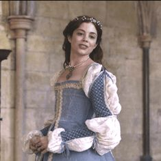 The Spanish Princess Recap: Episode 3 Tudor Dress, Medieval Dress, Medieval Clothing, Narnia, The White Princess, White Queen, Spanish Queen, 16th Century Clothing, Anne Of Cleves