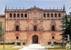 Renaissance Architecture, Spain And Portugal, Places Ive Been, Spanish, Louvre, Mansions, House Styles, Building, Travel