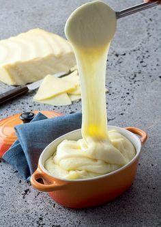 Aligot à la tome fraîche de cantal - CDT Cantal                                                                                                                                                     Plus