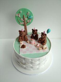 Love thy Cake - Cake Gallery Teddy bears picnic 1st birthday cake Teddy bear fondant toppers Fondant basket weave sides
