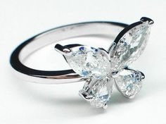 How stunning is this #butterfly #engagement ring? #diamond