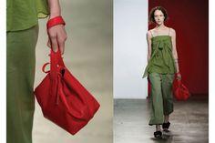 Sfilate New York: le borse a mano (o al polso)