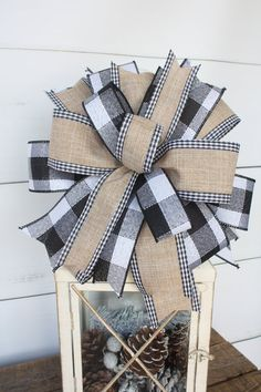 Black White Farmhouse Christmas Wreath Bow Lantern Bow Home Ribbon On Christmas Tree, Christmas Lanterns, Christmas Bows, Christmas Tree Toppers, Diy Christmas Gifts, Holiday Crafts, Christmas Decorations, Christmas Ideas, Hanging Decorations