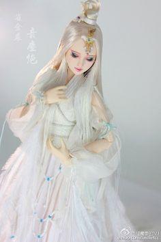媝娫采集到娃娃系列 Elsa, Disney Characters, Fictional Characters, Disney Princess, Dolls, Beauty, Baby Dolls, Puppet, Doll