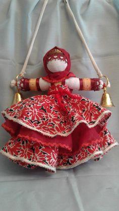 (13) Одноклассники Fabric Dolls, Fabric Art, Pom Pom Animals, Driftwood Crafts, Winter Crafts For Kids, Nature Crafts, Felt Art, Diy Doll, Cute Crafts