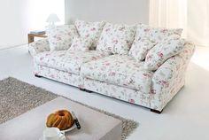 Pohovka je součástí každého obývacího pokoje. Chcete-li si na sedačce skutečně plnohodnotně odpočinout a hovět si při sledování televize nebo čtení knihy, pořiďte si typ polštářový.