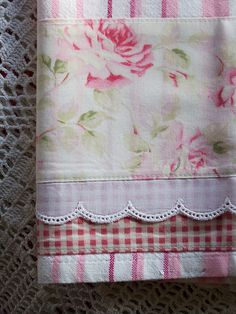 Decorate Shabby Chic style with a stripped tea towel, fabric, & lace layered… Fabric Crafts, Sewing Crafts, Craft Projects, Sewing Projects, Tea Towels, Dish Towels, Hand Towels, Quilt Border, Quilt Binding