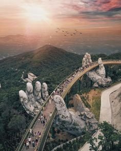 Giants Hands of the nature : Da Nang Vietnam Founder: Tag your best travel photos with Beautiful Places To Travel, Cool Places To Visit, Wonderful Places, Beautiful Things, Amazing Places On Earth, Wonderful Picture, Best Places To Travel, Big Picture, Places Around The World