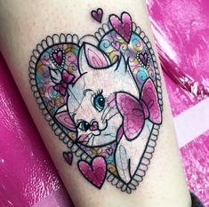 Future Tattoos, Love Tattoos, Color Tattoos, Amazing Tattoos, Tatoos, Tiny Cat Tattoo, Kitty Tattoos, Aristocats Tattoo, Piercing Tattoo