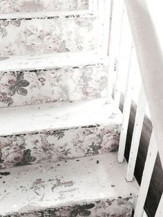 wallpaperonsteps first house pinterest flure treppe und shabby. Black Bedroom Furniture Sets. Home Design Ideas