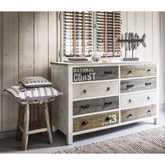Wooden chest of drawers in white W 140cm