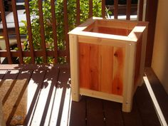 Woodworking for Mere Mortals: Free videos and plans. : Build a $20 planter box