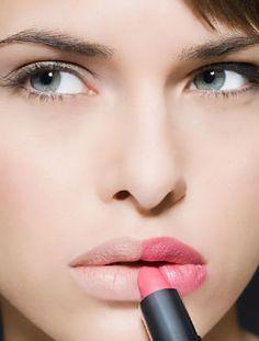 Lip Makeup:How to Apply Lipstick