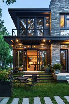 Escada home exterior design, modern home design, home architecture design, dream house exterior Future House, Dream House Exterior, House Ideas Exterior, Exterior Houses, Home Exterior Design, Design Homes, Cottage Exterior, Organic Modern, House Goals