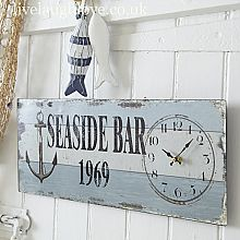 Bring a beach and seaside theme to your home with Live Laugh Love nautical accessories - perfect for your bathroom, bedroom or anywhere! Coastal Cottage, Coastal Homes, Coastal Style, Cottage Chic, Coastal Decor, Coastal Colors, Playa Beach, Seaside Beach, Country Kitchen Accessories