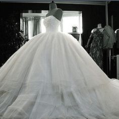 I wouldn't wear this for my wedding, but it is gorgeous