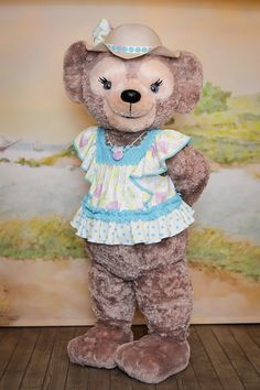 Duffy The Disney Bear, Disney Parks Blog, Pics For Dp, Mickey And Friends, Disneyland Paris, Disney Animation, Teddy Bears, Walt Disney, Characters