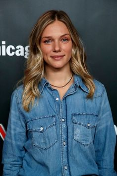 """Tracy Spiridakos Photos - """"Chicago P."""" cast member Tracy Spiridakos arrives on the red carpet for the Annual OneChicago Press Day in Chicago, Illinois on October / AFP PHOTO / Jim Young - NBC's 'One Chicago' Press Day Nbc Chicago Pd, Chicago Med, Chicago Photos, Chicago Fire, Chicago Illinois, Kim Adams, Anastasia, Balayage Long Hair, Looks Quotes"""