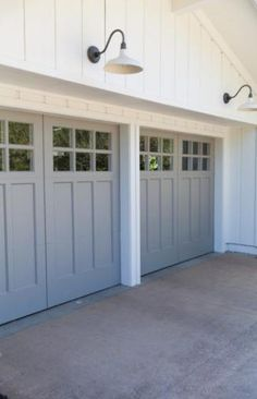 Garage & Shed - 371898950418634027 : Check out this Garage and Shed Idea for your projects The post Garage & Shed - 371898950418634027 appeared first on My Building Plans South Africa. Check out this Garage and Shed Idea for your projects Grey Garage Doors, Garage Door Colors, Wooden Garage Doors, Garage Door Styles, Garage Door Design, Carriage Garage Doors, Garage Door With Windows, Single Garage Door, Craftsman Garage Door