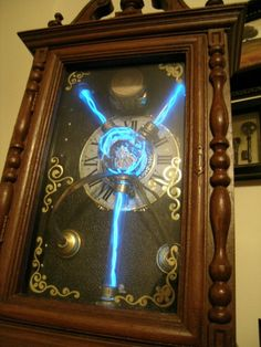 Steampunk flux capacitor clock. Tell me this isn't the coolest clock you have ever seen, i dare you.