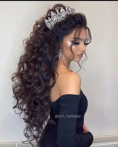 Quince Hairstyles, Fancy Hairstyles, Curled Hairstyles, Bride Hairstyles, Bridal Hair Buns, Bridal Hair And Makeup, Bride Makeup, Wedding Makeup, Wedding Hair Half