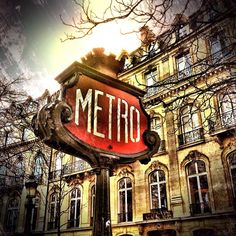 I've been here but wanted to share this pic from http://statigr.am/ktrap of the Paris Metro. Gorgeous photo.