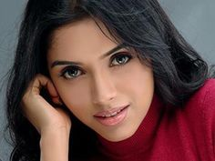 Awesome Pic of Asin.. For More: www.foundpix.com #Asin #TamilActress #Hot