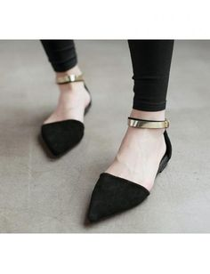 Black Metal Frosted Leather Pointed Toe Flat Sandals http://www.breakicetrends.com/black-metal-frosted-leather-pointed-toe-flat-sandals-10170.html