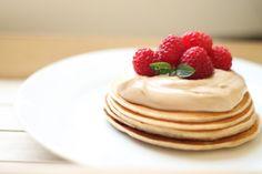 Co do krabičky? | 5 tipů na zdravé obědy Muesli, Granola, Chilli Sin Carne, Halloumi, Pancakes, Food And Drink, Yummy Food, Brunch, Breakfast