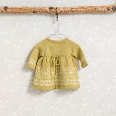 Sirdalskjolen i Korngul, kjøp den som strikkepakke hos HoY. Baby Knitting Patterns, Children, Tops, Women, Design, Fashion, Threading, Young Children, Moda