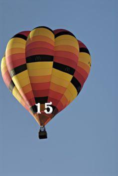 Mondial Air Ballons ® #montgolfieres #ballondelavent #ballon #adventballoon #advent #avent #hotairballoon #hotairballoons #decembre #december #balloonoftheday #unballonparjour #bluesky #multicolor #fly #voler