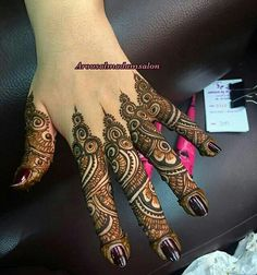 Beautiful Easy Finger Mehndi Designs Styles contains the elegant casual and formal henna patterns to try for daily routines, eid, events, weddings Dulhan Mehndi Designs, Khafif Mehndi Design, Mehndi Designs 2018, Modern Mehndi Designs, Mehndi Design Pictures, Beautiful Henna Designs, Mehandi Designs, Mehendi, Mehndi Images