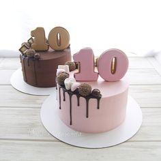 Для двойняшек  Оба с вишней , один мега шоколадный, а другой- нежный ванильный. #cake#cakes#sweet#instafood#instadaily#instacake#cakestagram#cakedesign#cakeporm#yummy#delicious#show_me_your_food#foodporn#foodstagram#foodpics#foodstagram#gdetort#bakery#cake_russia_news#vscorussia#vscocam#vscogood#vscodaily#vscobest#vscofood#vscomade#дляhomebakedru#тортыназаказсимферополь#имбирныепряники