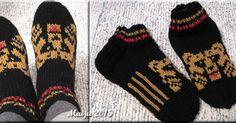 Olin melkein päättänyt, ettei yhtään enää karhusukkia, koska olen niitä jo vääntänyt kuusi paria aiemmin. Mutta kun sukulaistyttö pyysi t... Knitted Gloves, Socks, Patterns, Knitting, Crochet, Tricot, Block Prints, Crochet Hooks, Patrones