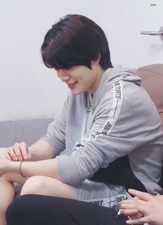 Beats Wallpaper, Cool Hairstyles For Men, Jung Yoon, Bts Imagine, Valentines For Boys, Jung Jaehyun, Jaehyun Nct, Kpop Boy, Handsome Boys