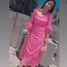 Indian Designer Suits, Designer Kurtis, Designer Dresses, Punjabi Salwar Suits, Indian Salwar Kameez, Beautiful Suit, Beautiful Girl Indian, Beautiful Indian Actress, Beautiful Hijab