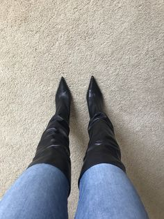 Pointy Boots, High Heel Boots, Heeled Boots, Fetish Fashion, Fur Fashion, Pictures Of High Heels, Winter Boots Outfits, Shoe Selfie, Pencil Skirt Outfits