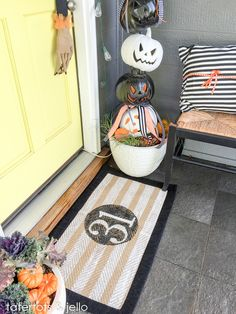 """Painted """"31"""" Halloween Rug! You can do this project in an hour! So cute for Halloween!"""