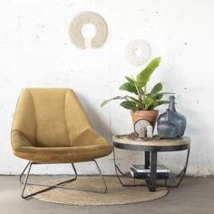 Trendy: Velvet fauteuil in huis Lounge Chairs Living Room, Green Dining Chairs, Adirondack Chairs For Sale, Outdoor Chaise Lounge Chair, Modern Chairs, Leather Dining Room Chairs, World Market Dining Chairs, Contemporary Dining Chairs, Cheap Dining Room Chairs