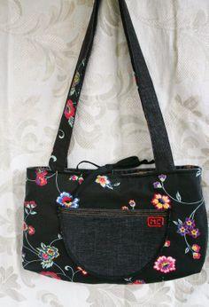 Reversible bag made from jeans www.facebook.com/bricolemc