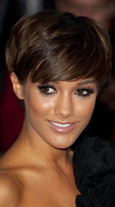 Frankie Sandford Does Understated Sexy At The GQ Men Of The Year Awards With Her Cropped Hairstyle, 2011