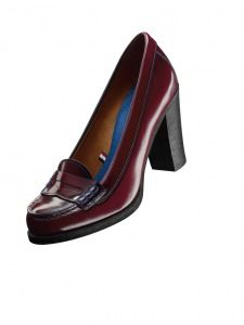 Hilfilger for Bass high-heel Weejuns. Can't tell if there's an external logo or not.