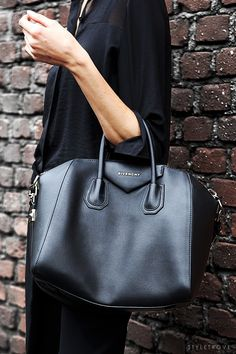 all black | givenchy tote.